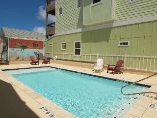 Peyton's Abbey, 6/4, Pool, Private Apt, Sleeps 20!, Port Aransas