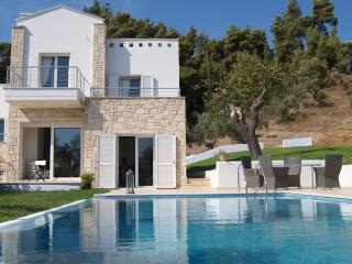 Boutique Private Pool Villa 'Alkyon' in Paliouri, Halkidiki Region