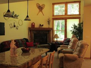 Spacious Condo with Golf Course Views & Amenities - Southwestern Idaho vacation rentals