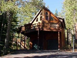 Christol's Gem - Vacation Rental Close to Tahoe Donner Clubhouse, Truckee
