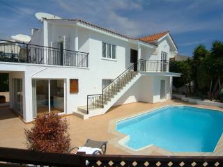 Luxury Villa with private pool and stunning views, Peyia