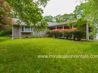 CAMPA - WIFI, CENTRAL A/C, LARGE YARD, SCREENED PORCH AND EASY CENTRAL LOCATION TO WEST TISBURY AND VINEYARD HAVEN, West Tisbury