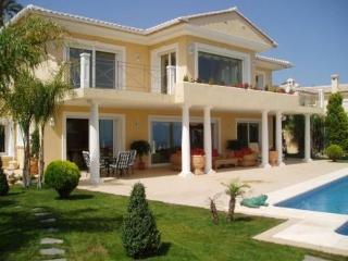 LUXURY 5* VILLA with SPECTACULAR SEA VIEWS + Wifi, Moraira