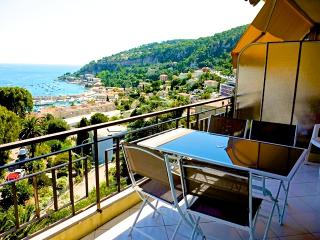 Large sea-view newly refurbished studio, Villefranche-sur-Mer