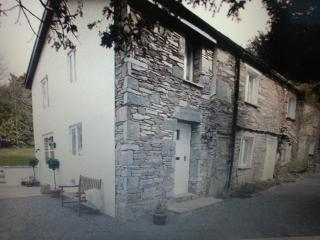 FOXGLOVE COTTAGE, Bowness-on-Windermere