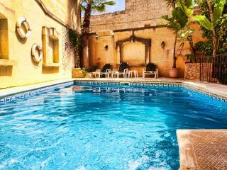 Serenity with Private Pool, San Lawrenz