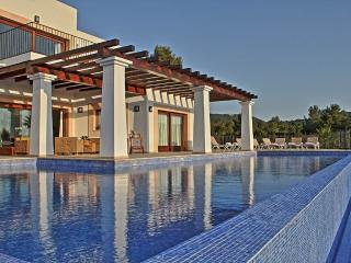 Can Tarida - Great views Great location sleeps 8, Ibiza