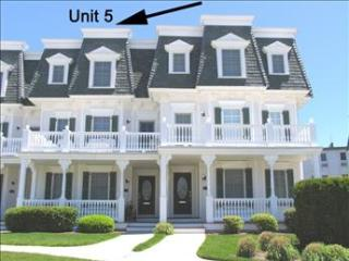 Beach Views and Pool 122774, Cape May
