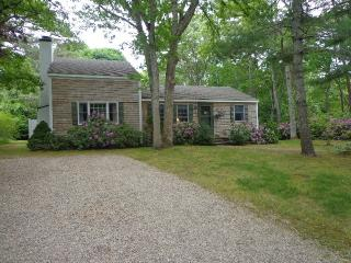 94 Waterfield Rd, Osterville