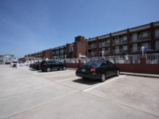 Great Price for Beach Block with Pool 108364, Cape May