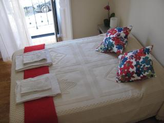 Casa do Largo Apt up to 5 Pax, Lisbon
