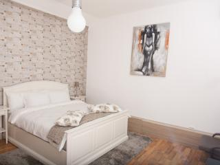 Bucharest City Center - Luxury Studio Apartment