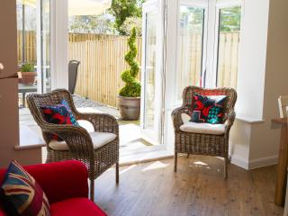 Stylish family& dog friendly house, Camber, Sussex