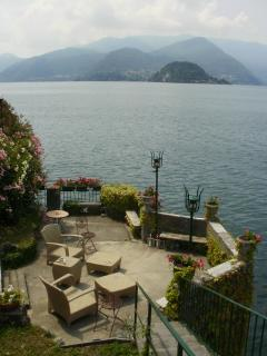 The outstanding private view of the central lake and Bellagio from your garden sun terrace.