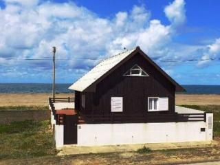 Cottage with GREAT SEA VIEWS &  Wi-Fi at Sea Front, Cortegaca