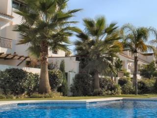 Superbly Equipped Townhouse, Puerto Banus
