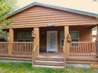 Close to Yellowstone and Harriman Park... Perfect getaway!, Island Park
