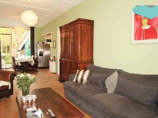 Townhouse 12 min to Amsterdam