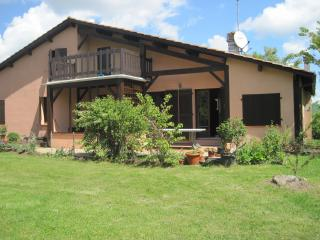 Lovely house with large garden and gorgeous view, Beaumont de Lomagne