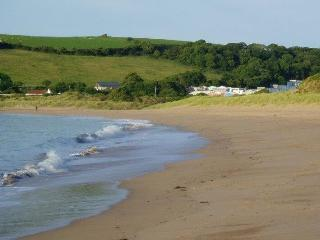 Self catering beach chalet, Pembrokeshire., Freshwater East