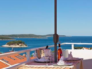 Apartment, glancing at the stars, Hvar