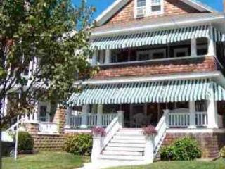 LARGE HOME CLOSE TO BEACH AND TOWN 30566, Cape May