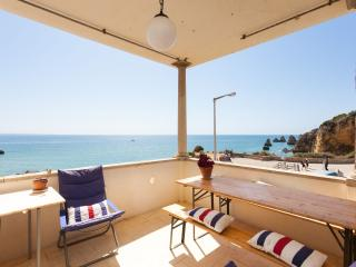 Seaview veranda apartment above the beach, Lagos