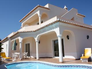 The villa with private pool, Carvoeiro
