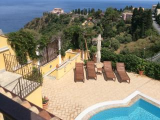 VILLA MATIS with pool, Taormina