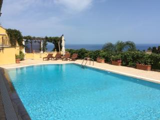 MATIS VILLA with pool, Taormina
