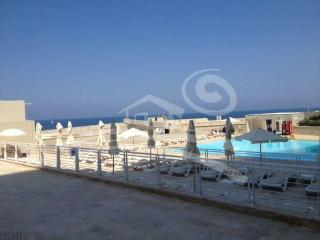 LUXURIOUS 1 BED APT. WITH POOL, Sliema
