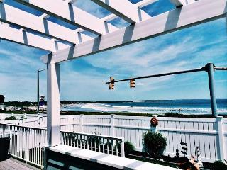 Ocean Front Property with Panoramic Views!, Narragansett