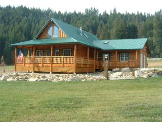 Luxury Log Retreat, Leavenworth