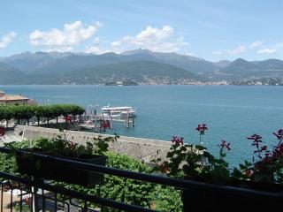 apartment 2 rooms with balcony front lake, Stresa