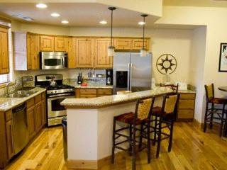 Moose Lodge 9: Located 2 blocks from PC Mountain - Park City vacation rentals