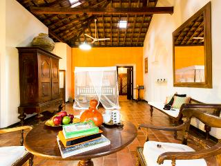 Rustic Luxury Colonial Garden holiday rental/B&B, Galle