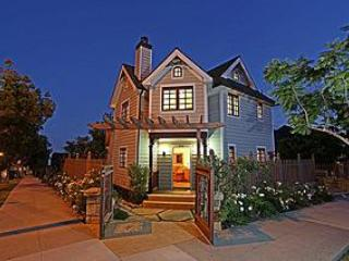 Victorian Charm in the Lower Riviera - Back Stage Pass Victorian Charm near The SB Bowl! - Santa Barbara - rentals