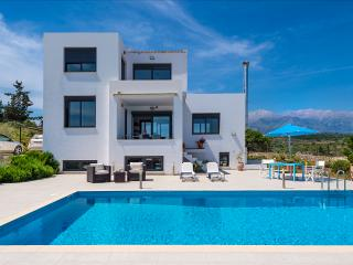 Villa With Pool at Vamos Chania Crete, Tsivaras