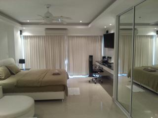 Luxury Studio Pattaya central2, Seaview