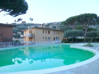 Seaview apartment with swimming pool, Recco