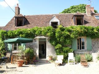 Cottage for 4/5 in quiet location nr Chenonceau, Saint-Georges-sur-Cher
