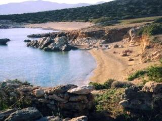 Gorgeous villa with its own beach, Paros