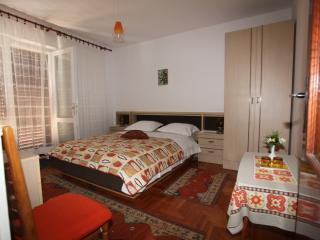 Triple bedroom with sea view balcony (R1), Hvar