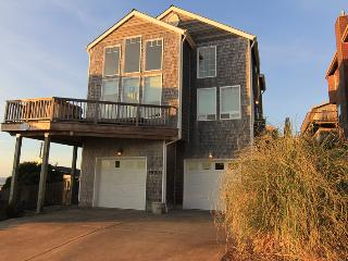Bainbridge House - Lincoln City vacation rentals