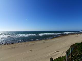 D Kite House-Beautiful 3 Bedroom, 2 Bathroom Ocean Front Home, Lincoln City