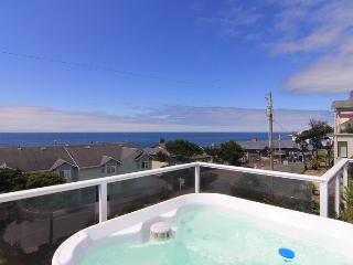 Gorgeous Ocean Views, Hot Tub, Pool Table & More Just Steps From The Beach, Lincoln City