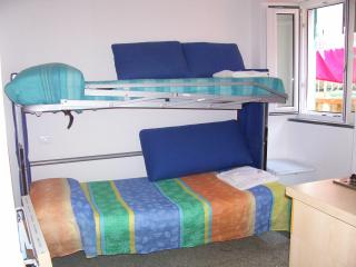 BEDROOMRIO - A LITTLE BEDROOM CLOSE TO THE SEA, Riomaggiore