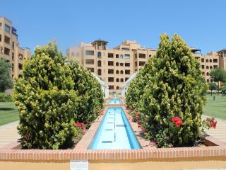NEW LISTING. Apartment in first line beach,albatro, Isla Canela