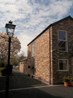 Quiet mews location, but close to the restaurants, bars & wonderful independent shops