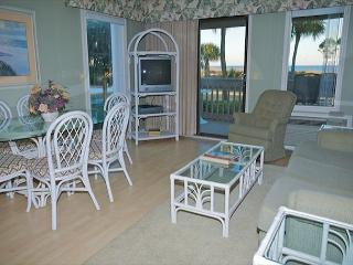 Ocean Dunes Villa 105 - 2 Bedroom 2 Bathroom Oceanfront Flat, Hilton Head